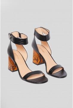She's a Lady Heel
